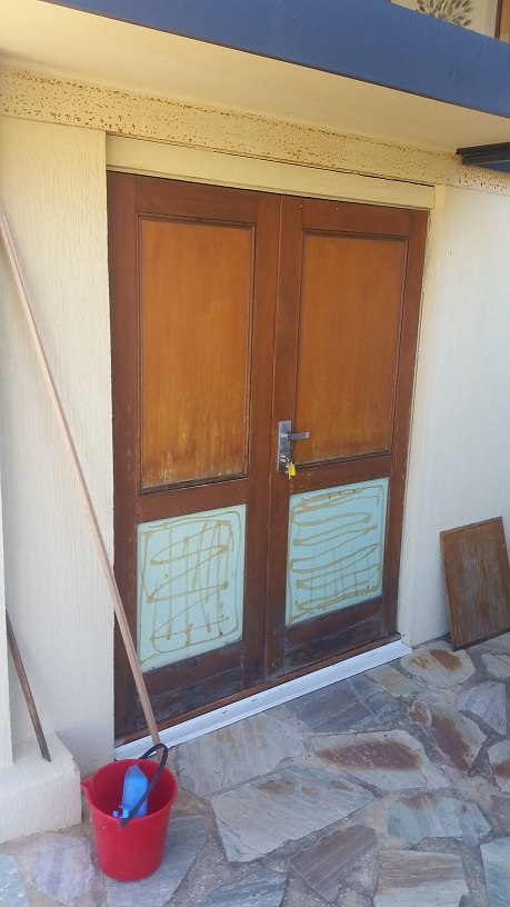Budget door restoration - BEFORE