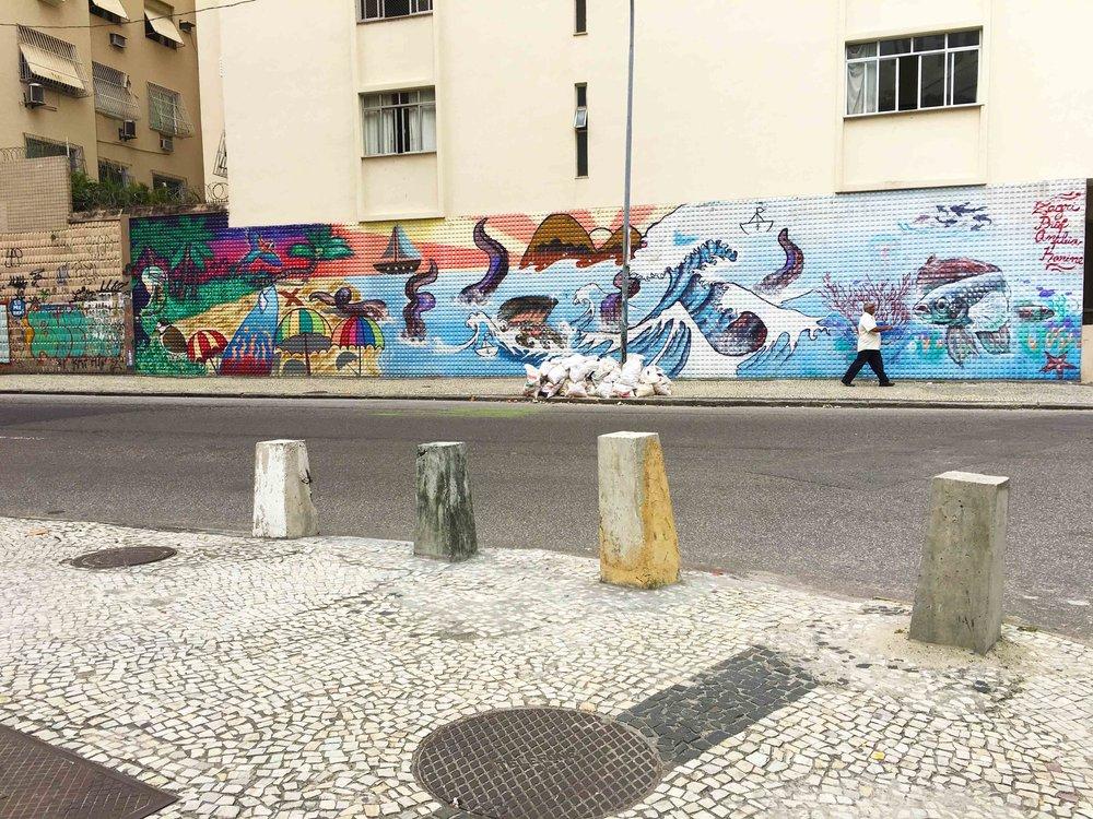 A street corner somewhere in Copacabana...