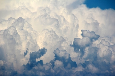 clouds-1473311_640.jpg