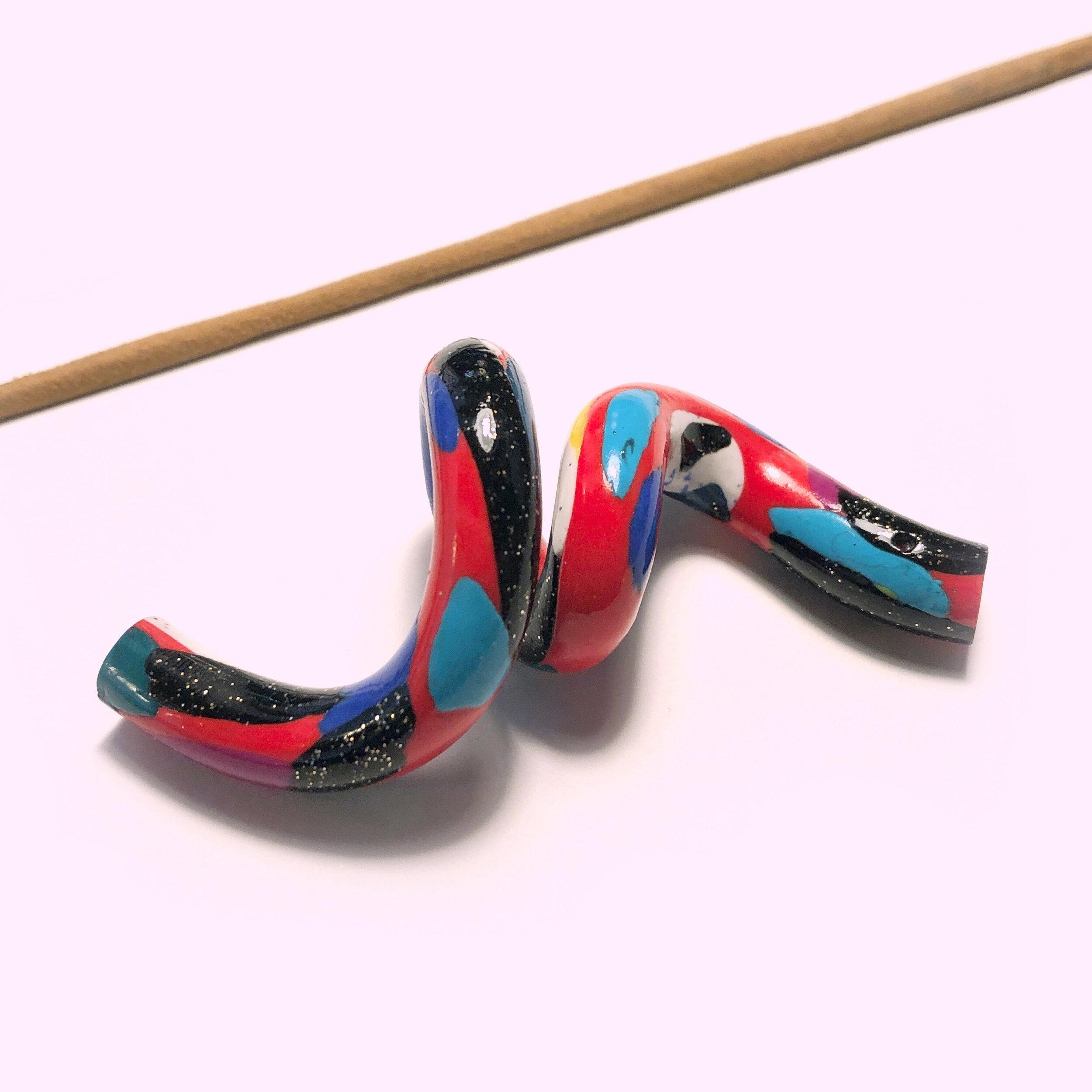 Squiggle Incense Holder Kitsu