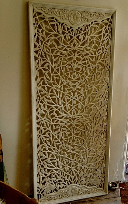 11.  Look for key components - a marble jali screen