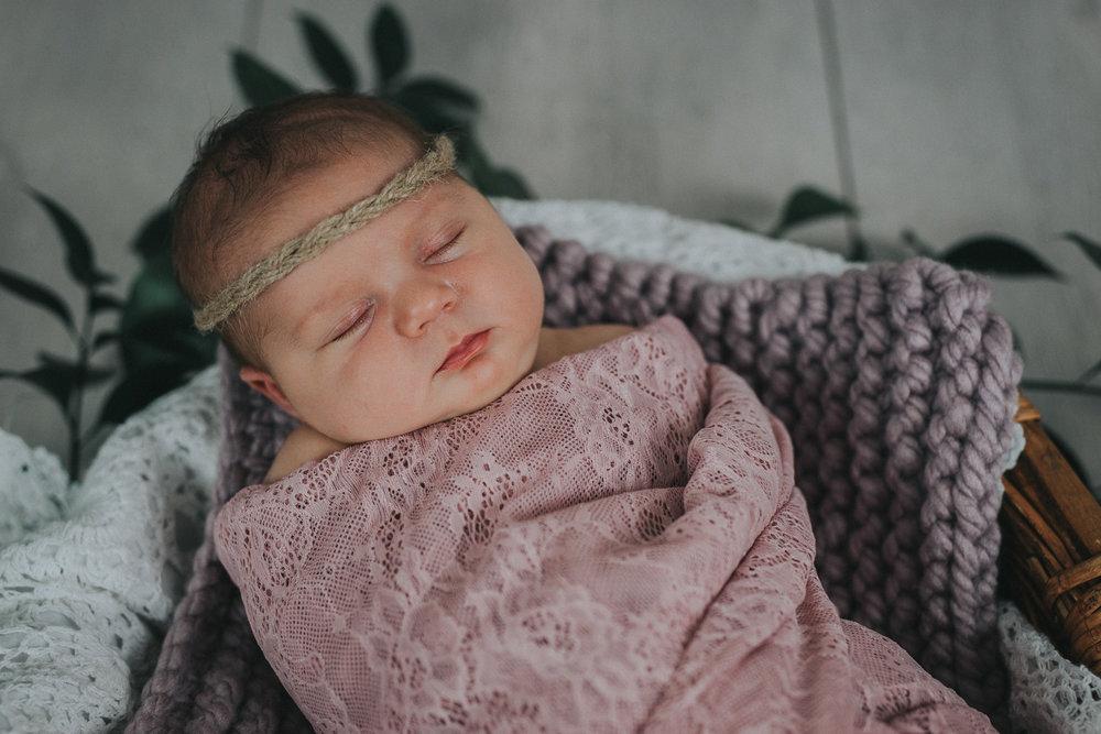 Newborn Portrait-58.jpg