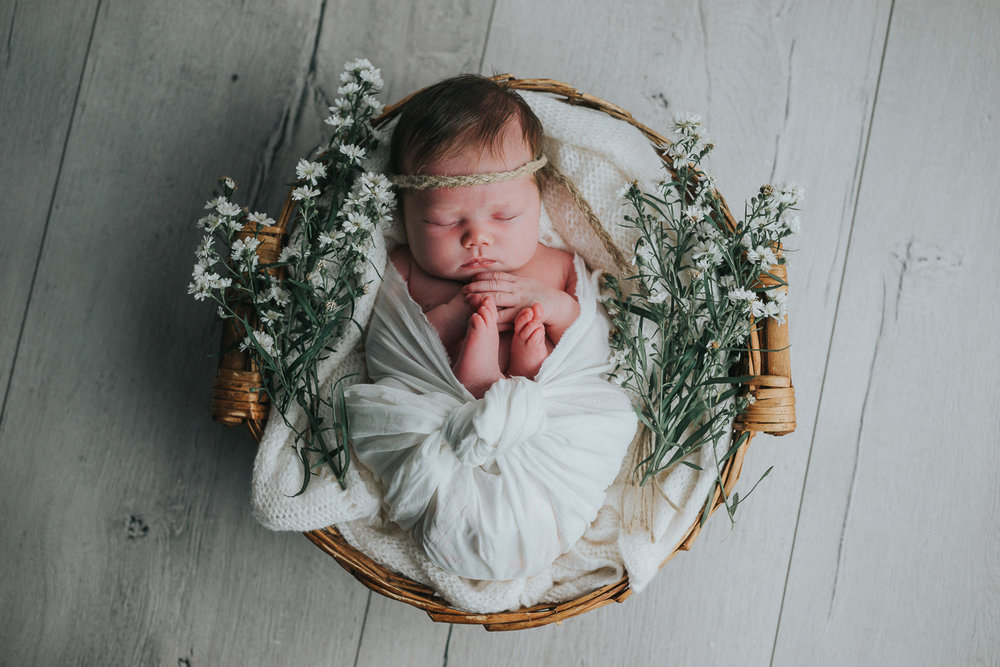 Newborn-43.jpg
