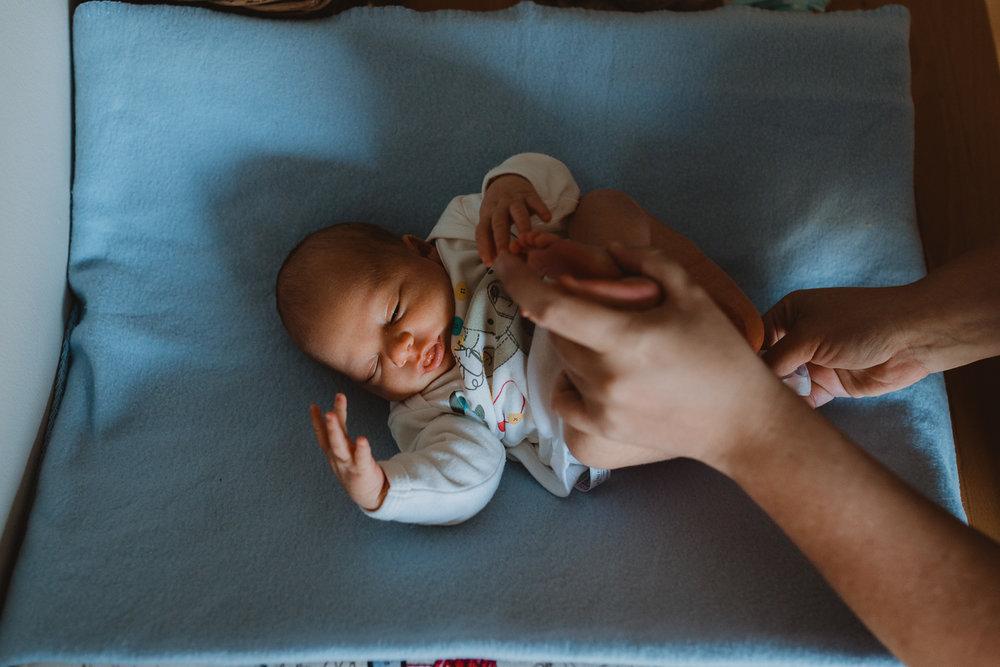 Newborn Lifestyle-13.jpg