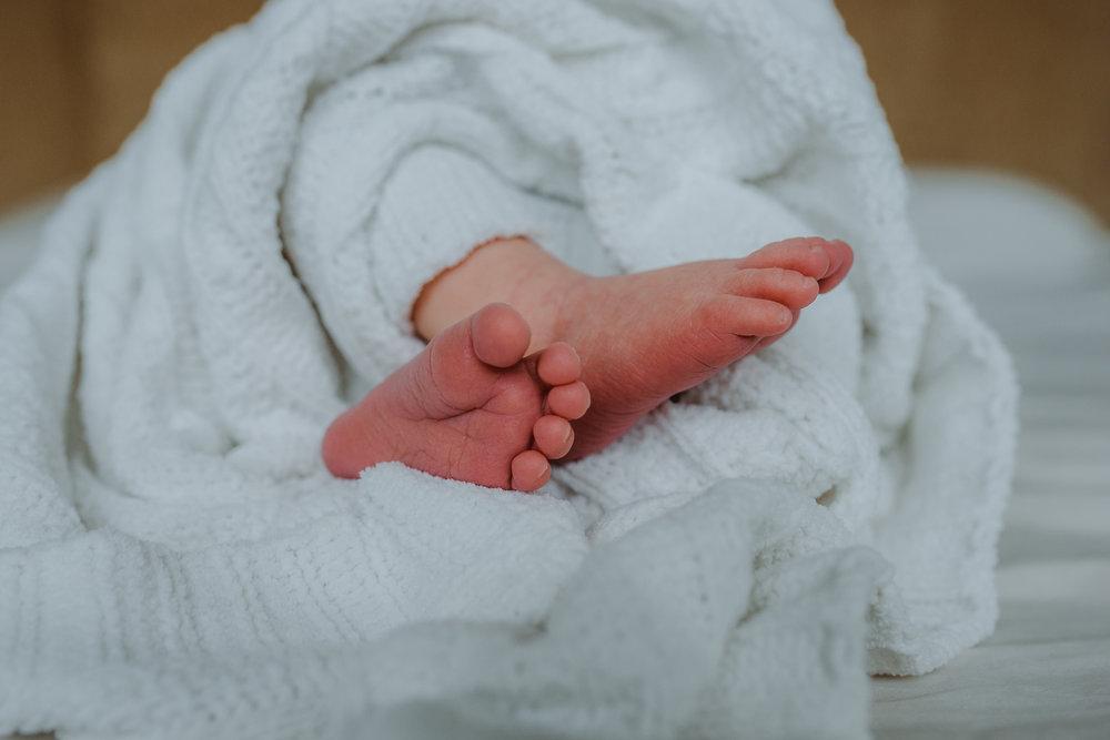 Newborn-150.jpg