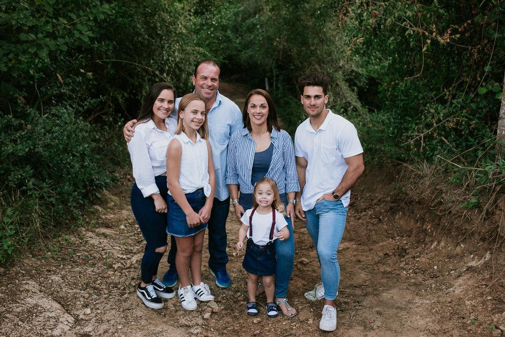 Fernandes Family 2018-22.jpg