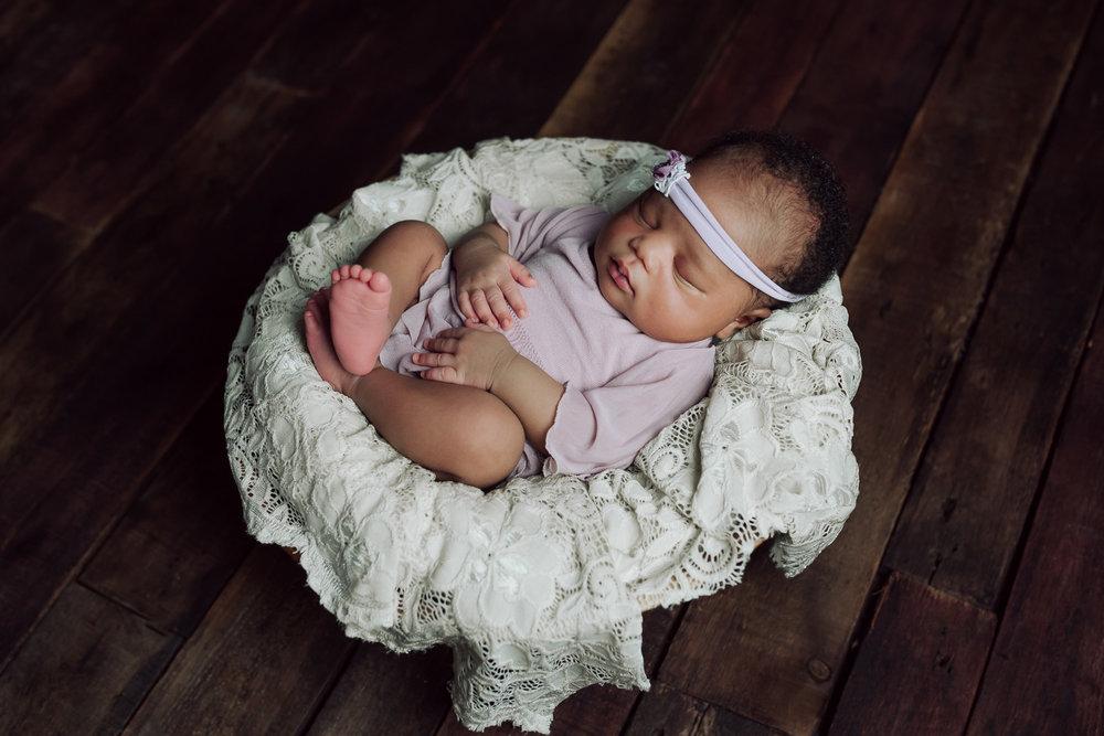 Newborn-23.jpg