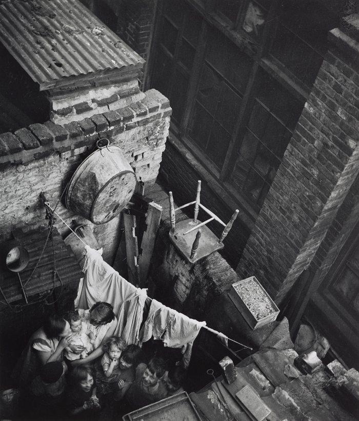 (c 1936) Gee Street, Finsbury, London