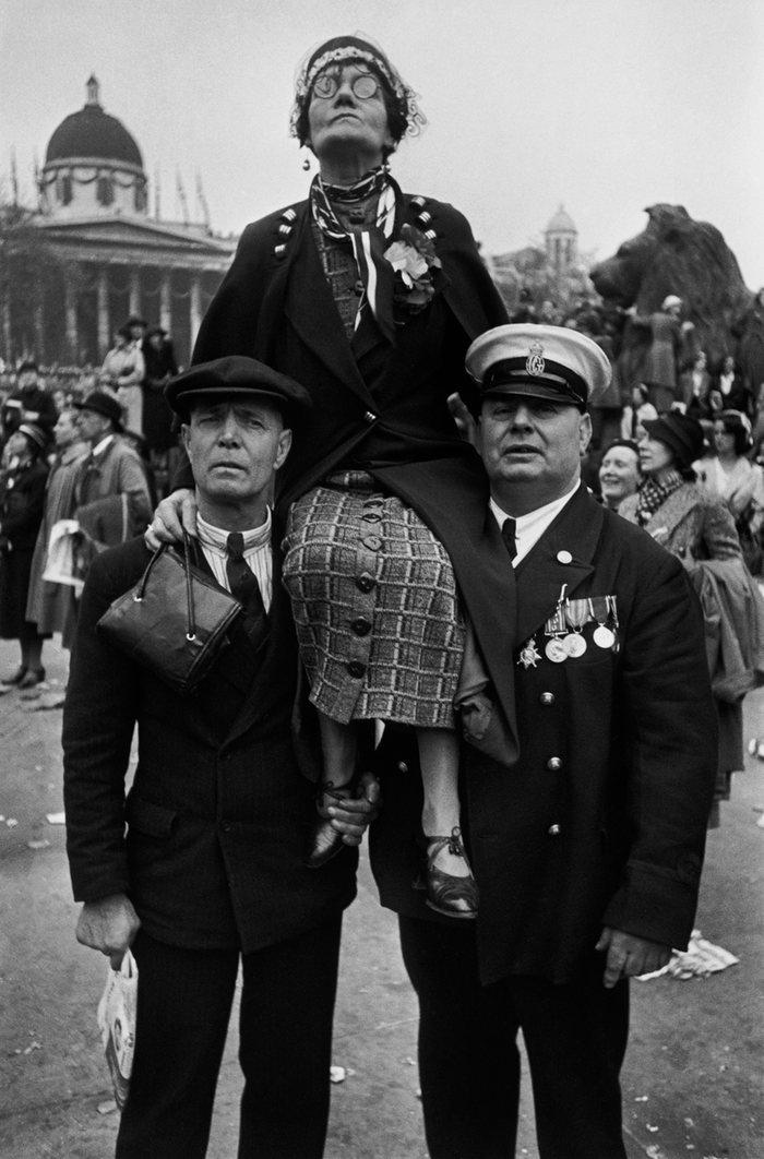 (1937) Coronation of King George VI, Trafalgar Square, London (12 May 1937)