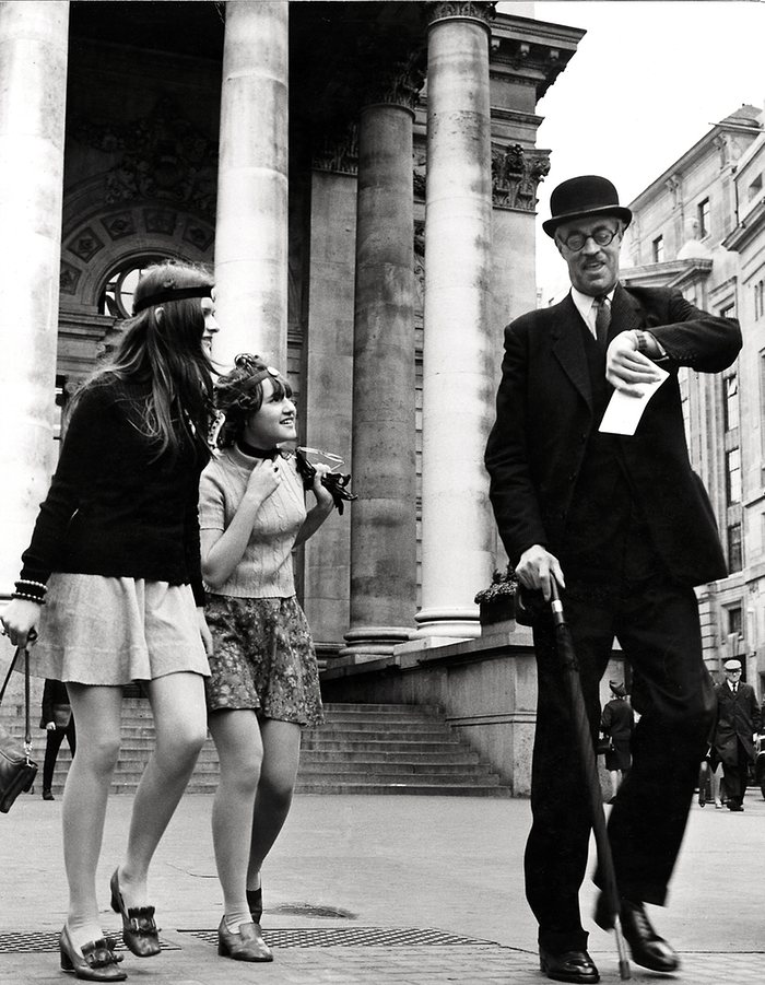(1960s) Time, Gentleman, please!, City of London