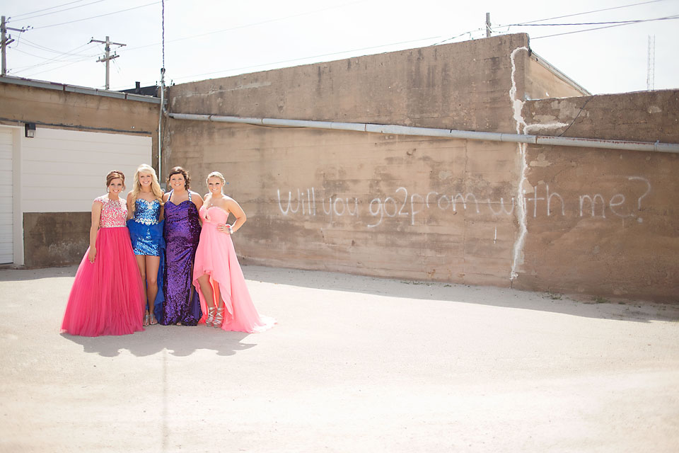 beautiful oklahoma senior girl friends prom minis