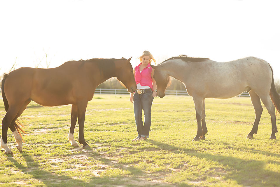 Oklahoma senior girl with horses