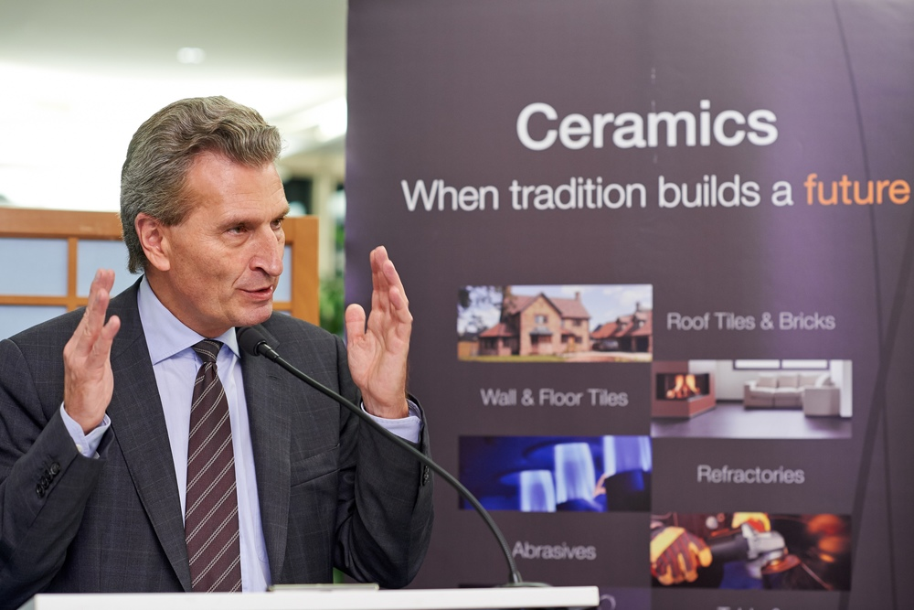 Keynote speaker Commissioner Oettinger addressed the need to create realistic and pragmatic new targets for 2030, taking into consideration the reality faced by energy-intensive industries in Europe.