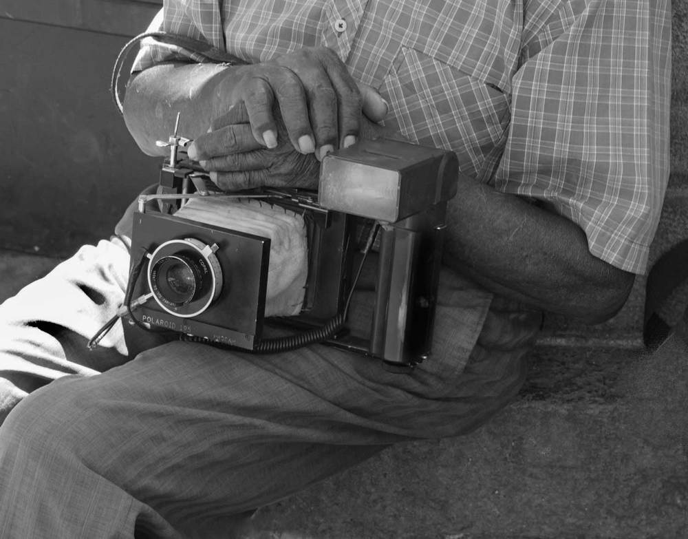 Man-and-camera-B&W-2DSC02275.jpg