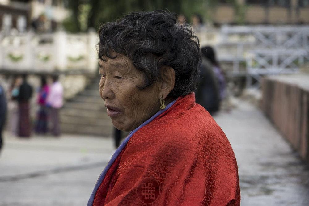 Older lady DSC6809 copy.jpg