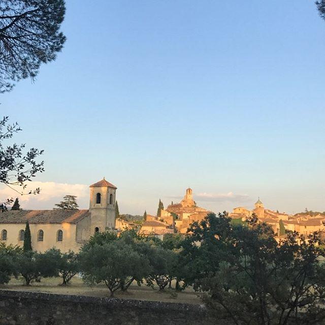Belle soirée à #lourmarin #luberon #provence