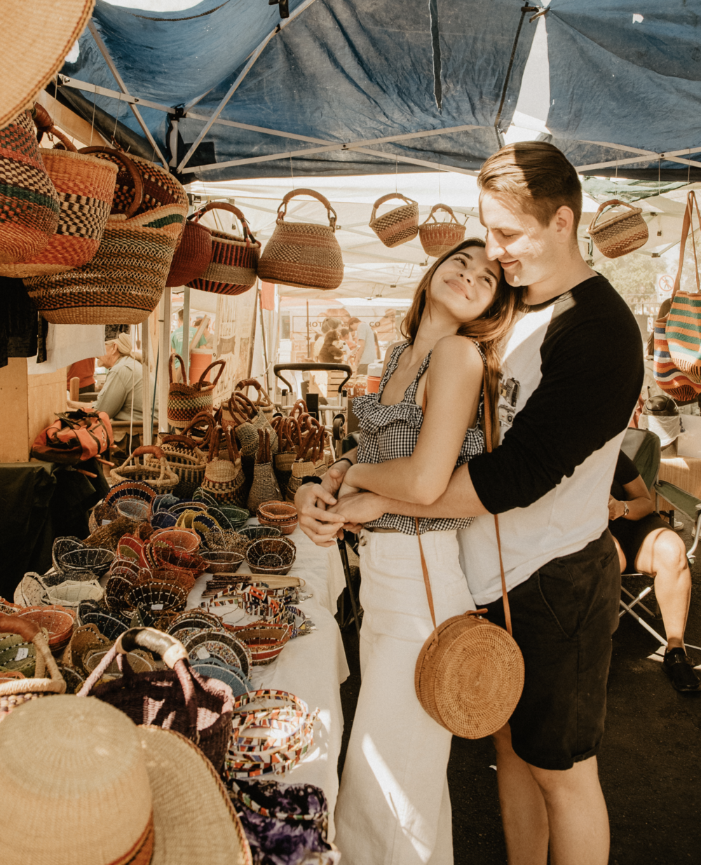 farmers-market-couples-engagement-photoshoot