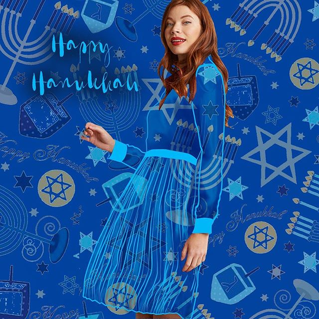 Happy 2nd day of Hanukkah!! We're here for all your holiday prints!💙⛄️❄️🌨 . . . . . #hanukkah #happyhanukkah #holiday #print #printdesigner #peintdesign #fashion #pattern #patterndesign #surfacedesigner #digitalprints #garmentdistrict