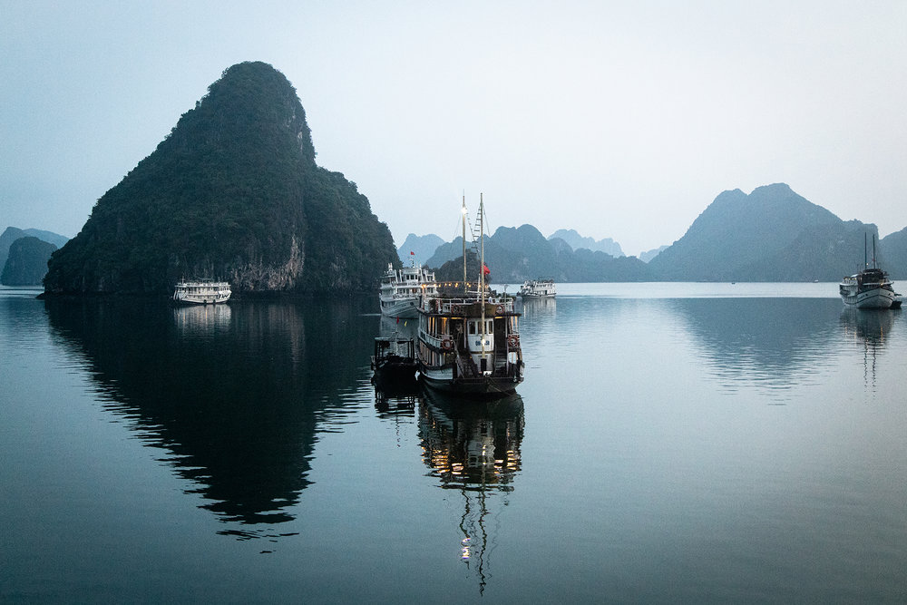 ha long bay boat small.jpg