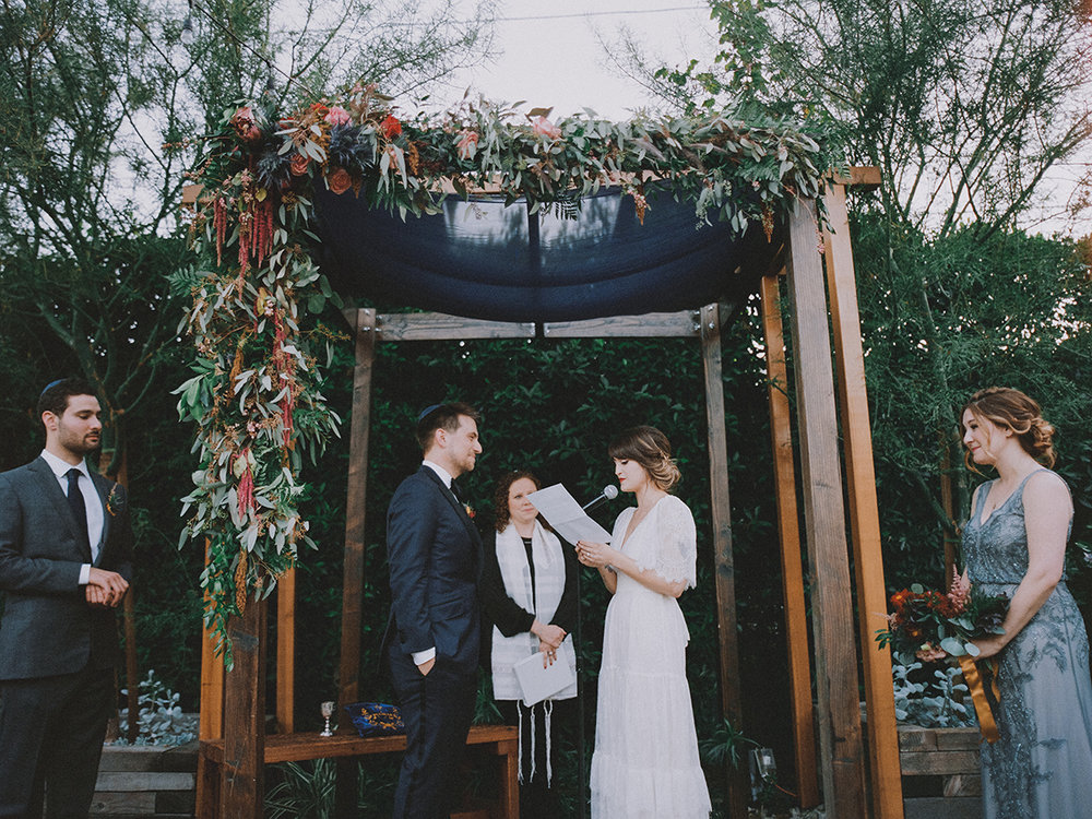 Heather + Jacob   // Photographer:  Mandee Johnson , Floral Design:  Hello Honey Flower Co.