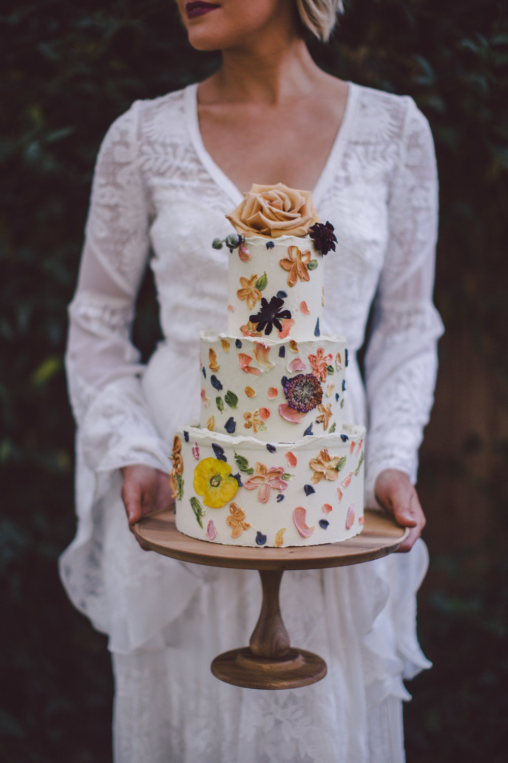 wedding-cake-pressed-dried-flowers.jpg