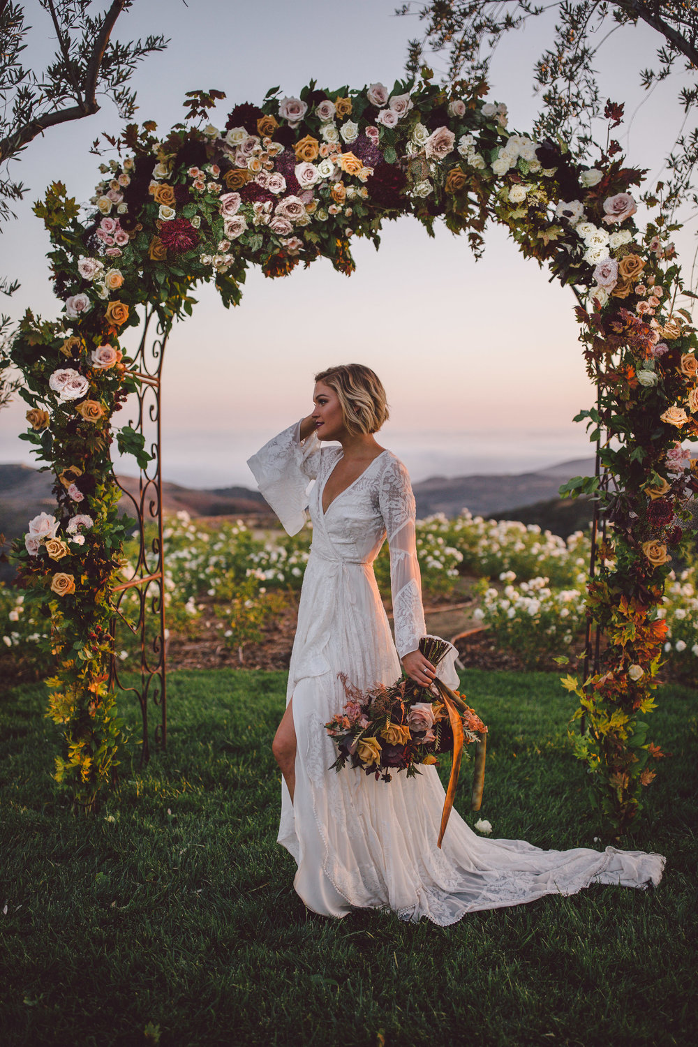 bohemian-fall-ceremony-wedding-arch.jpg