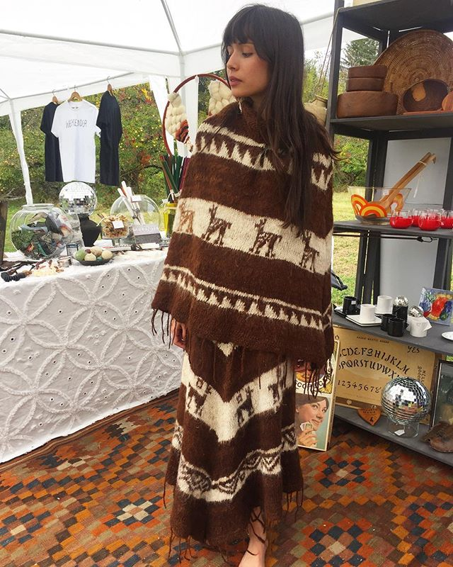 Alpaca poncho set at the @phoeniciaflea