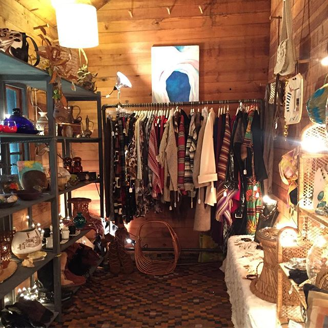 Last day to hang out in our cozy back room at the @phoeniciaflea 🔥485 Upper Byrdcliffe Road, Woodstock NY