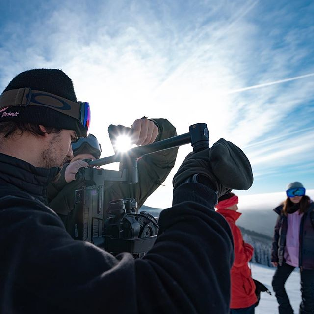 Putting together the footage for new @klinovec.cz video. Weather was amazing, slopes perfectly shaped 🙏🎿 #klinovec #skiarealklinovec #krusnehory #sonyfs5 #djironin #sonya7iii #sonyimages