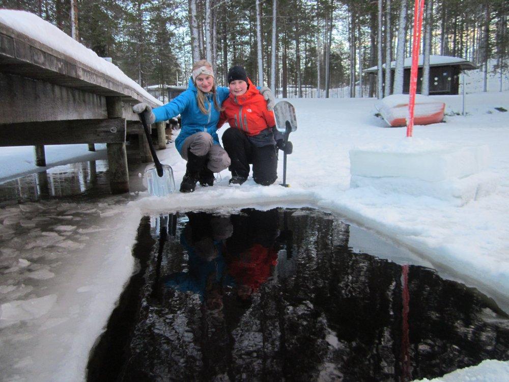 ice-swimming-adventure-apes-001.JPG