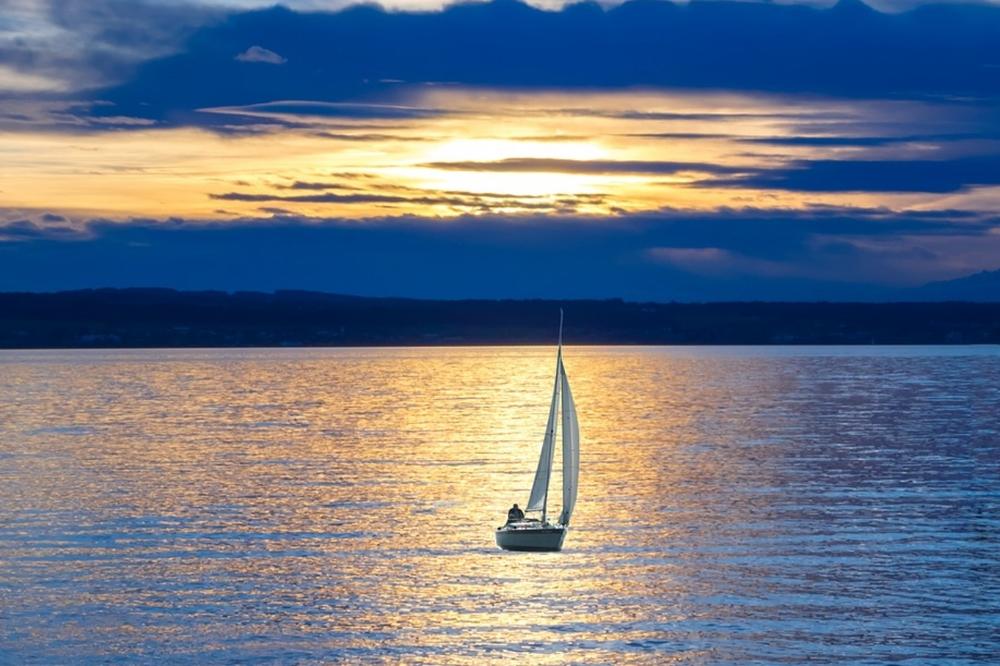 sailing-ship-659758_1280.jpg
