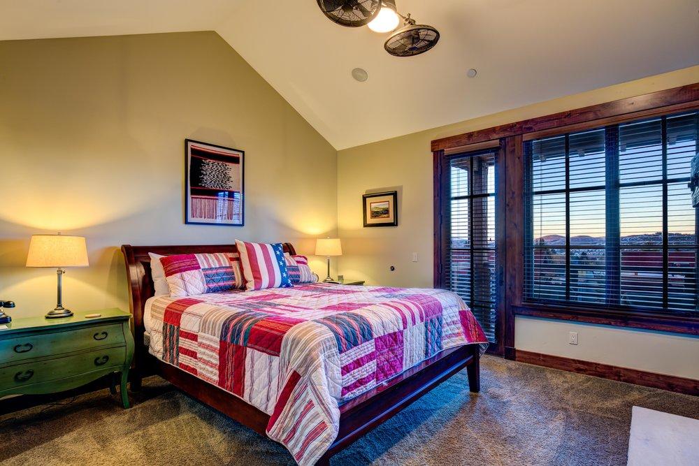 silver-star-505-bedroom-1-Edit.jpg
