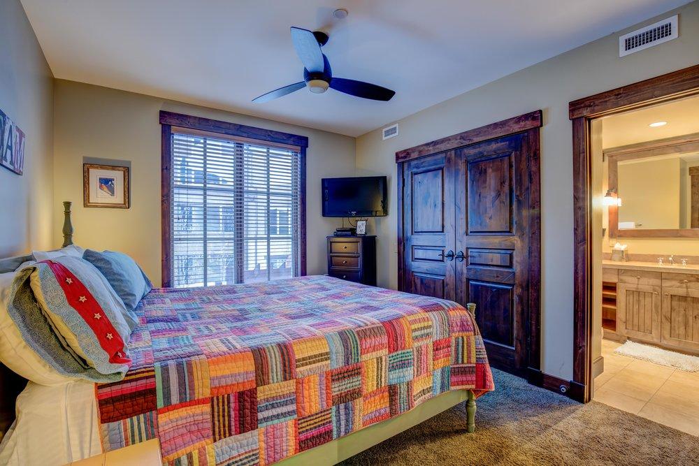 silver-star-505-bedroom-2.2.jpg