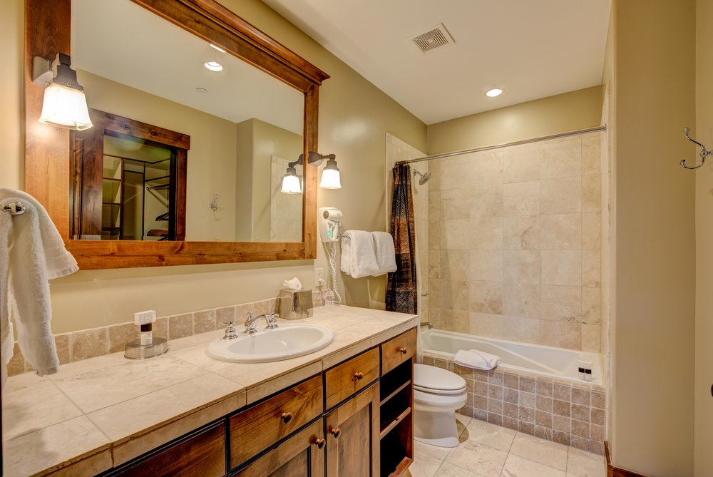 silver-star-505-bedroom-3-bath.jpg
