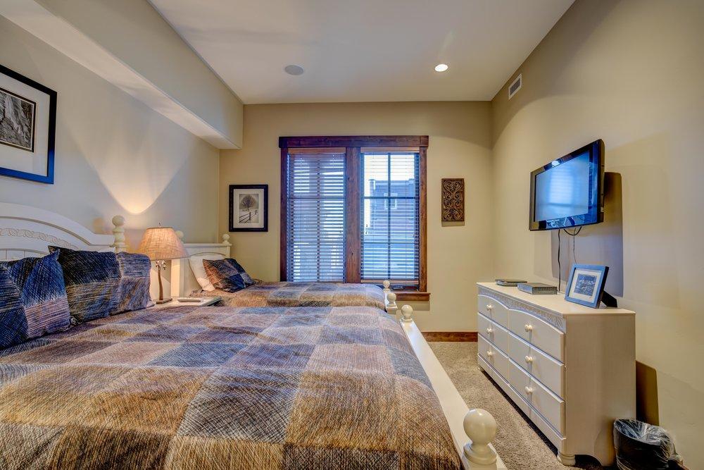 silver-star-505-bedroom-3.2.jpg