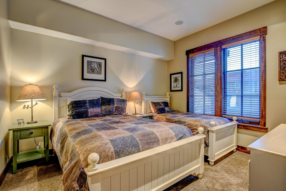 silver-star-505-bedroom-3.jpg