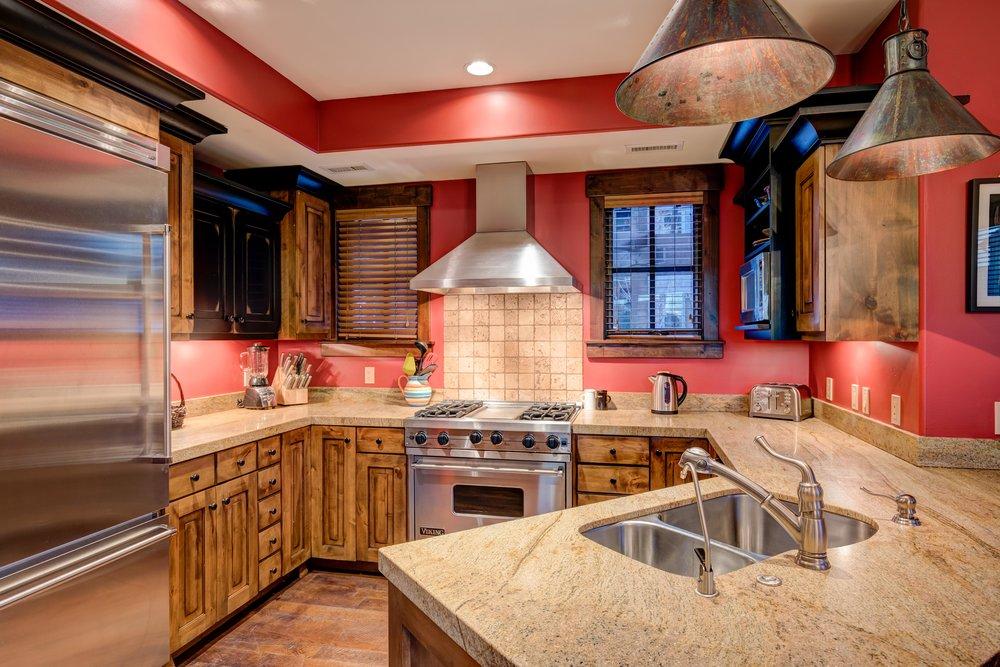 silver-star-505-kitchen-1.jpg