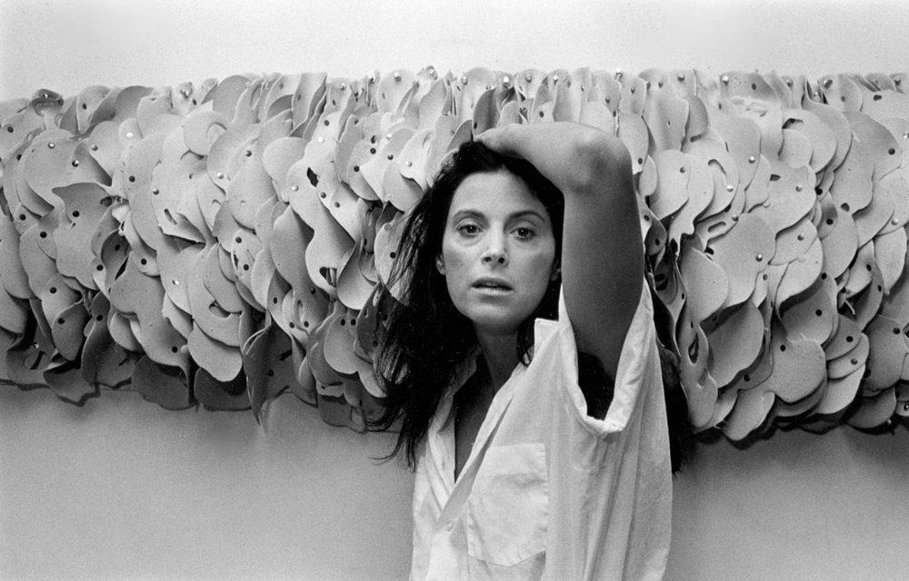 Hannah Wilke, 1980© Harvey Stein