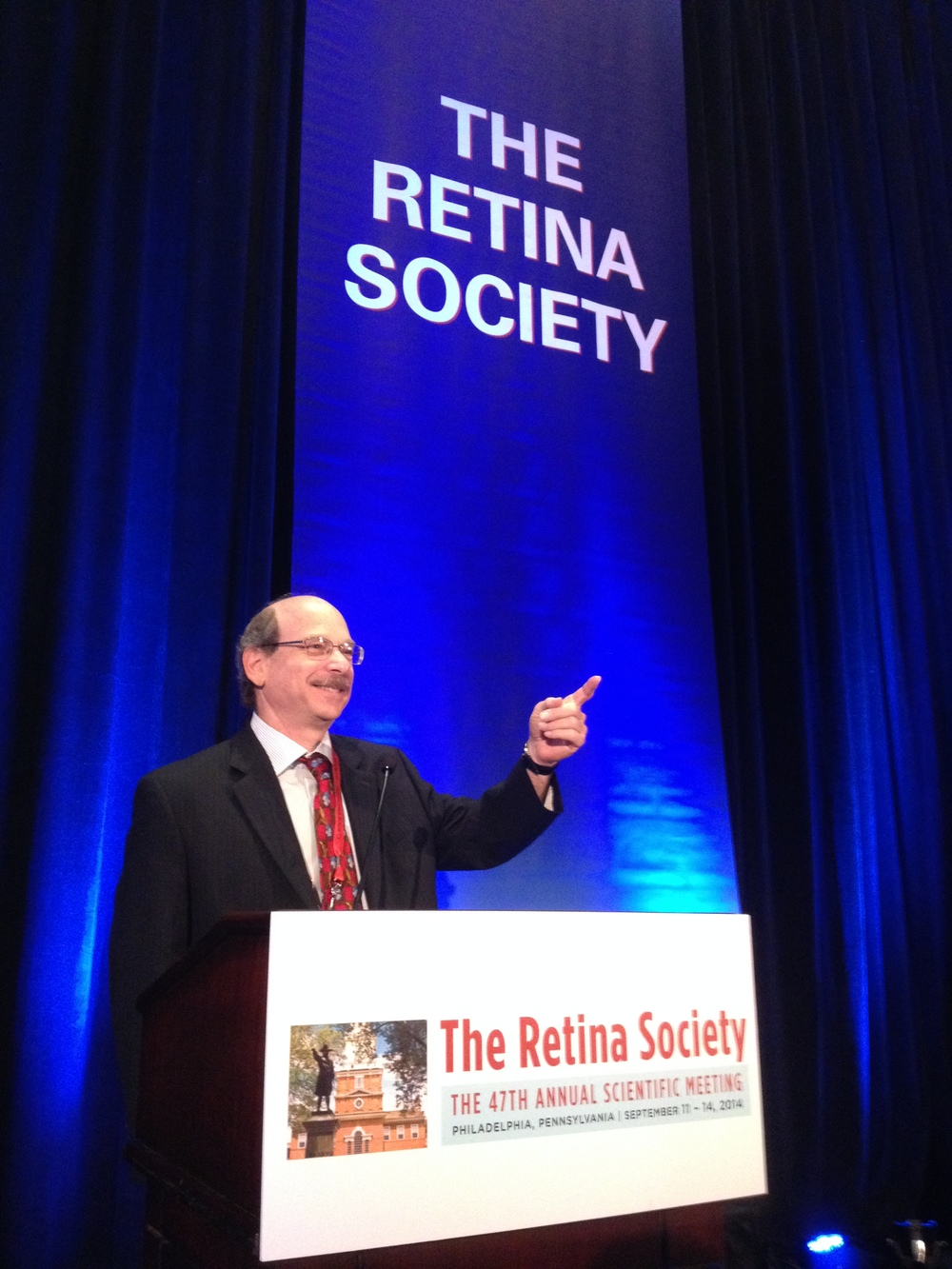 Dr. Frenkel presenting his findings at the     2014 Annual Meeting of The Retina Society