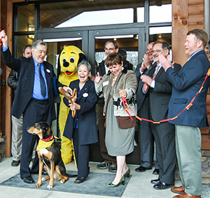 Ribbon_cutting_HART_GO_5-2-14.jpg