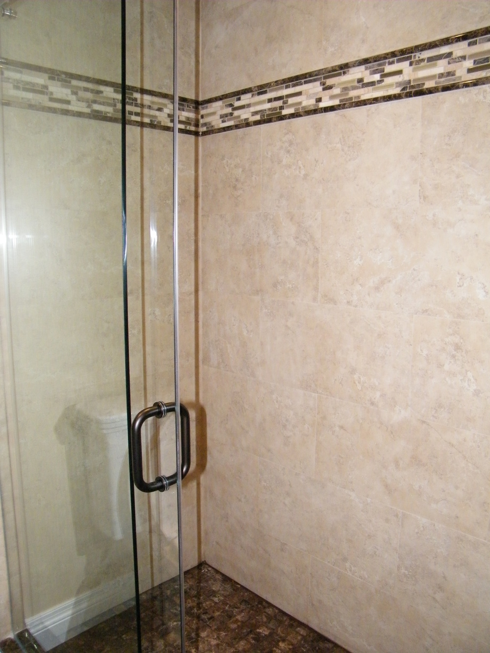Walk-In Shower - Townhouse