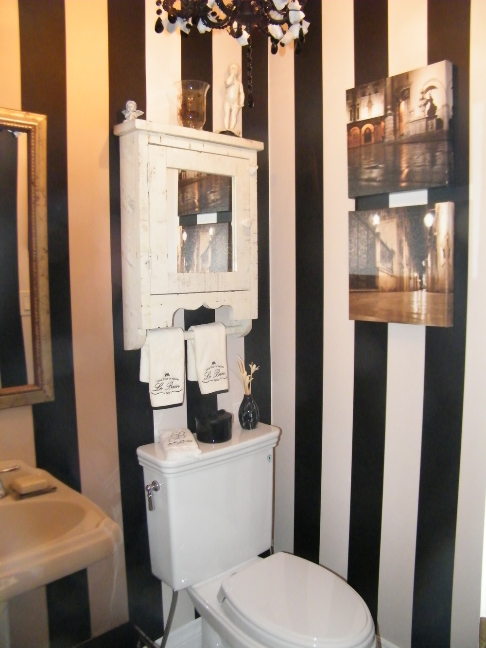 Townhouse - Powder Room
