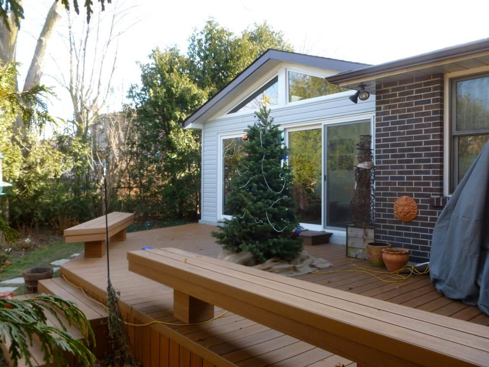 backyard-ideas-deck-with-benches.jpg