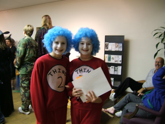 Winners, Dr. Seuss Thing 1 and Thing 2, Best Girl Costume ages 8-17