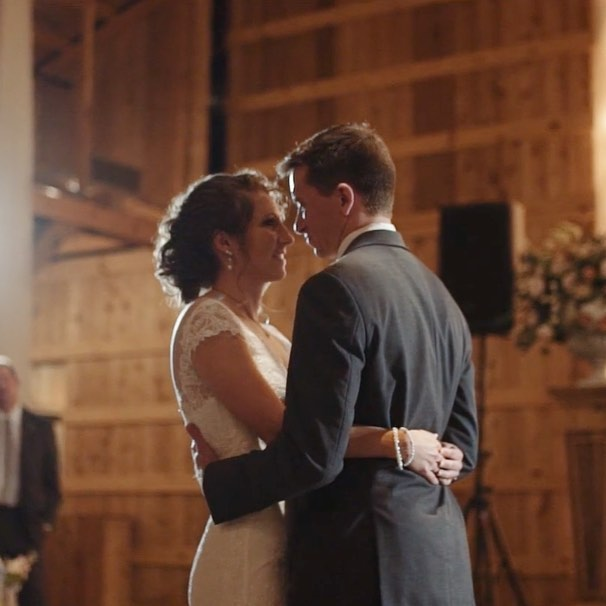 Kaitlyn + Brent's beautiful wedding at Saddle Woods Farms is featured on the blog today! Go take a look - mattgvideo.com/blog