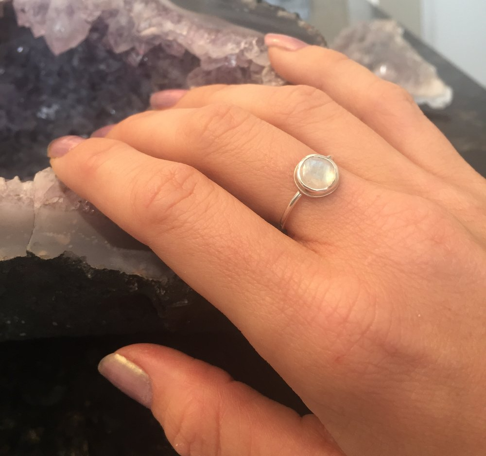 Moonstone ring Size: 5.5