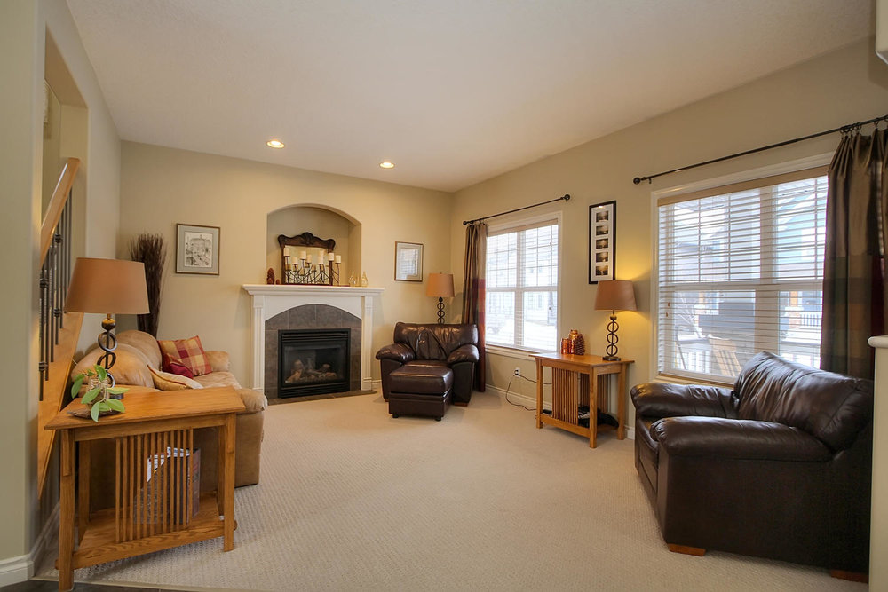 5424 Thibault Wynd-large-011-Living Room-1500x1000-72dpi.jpg