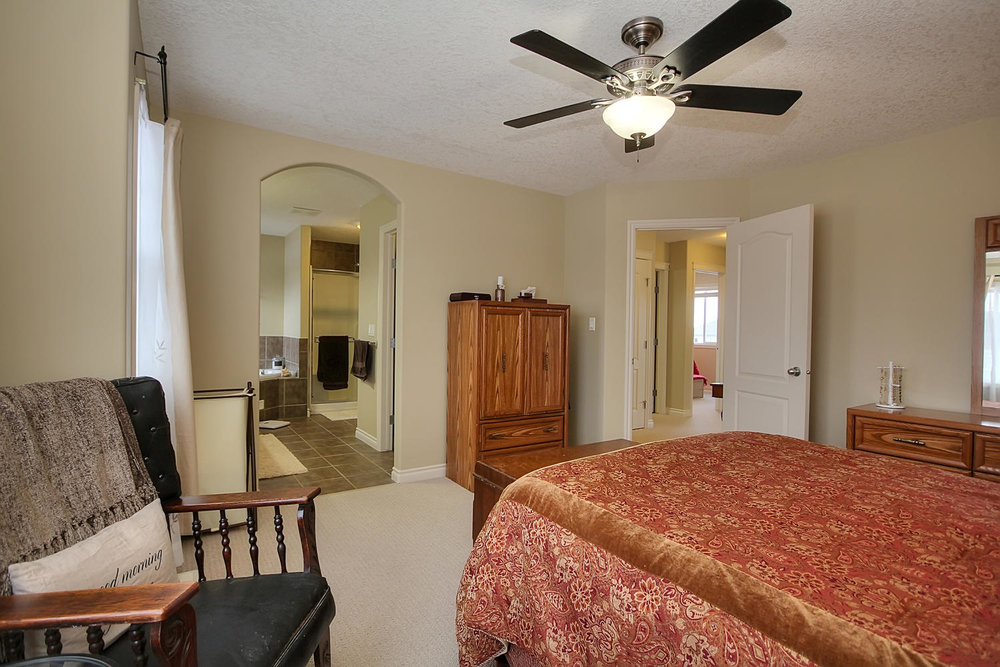 5424 Thibault Wynd-large-029-Master Bedroom-1500x1000-72dpi.jpg