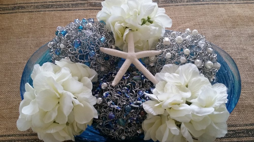 Centrepiece Blue and White Spheres.jpg