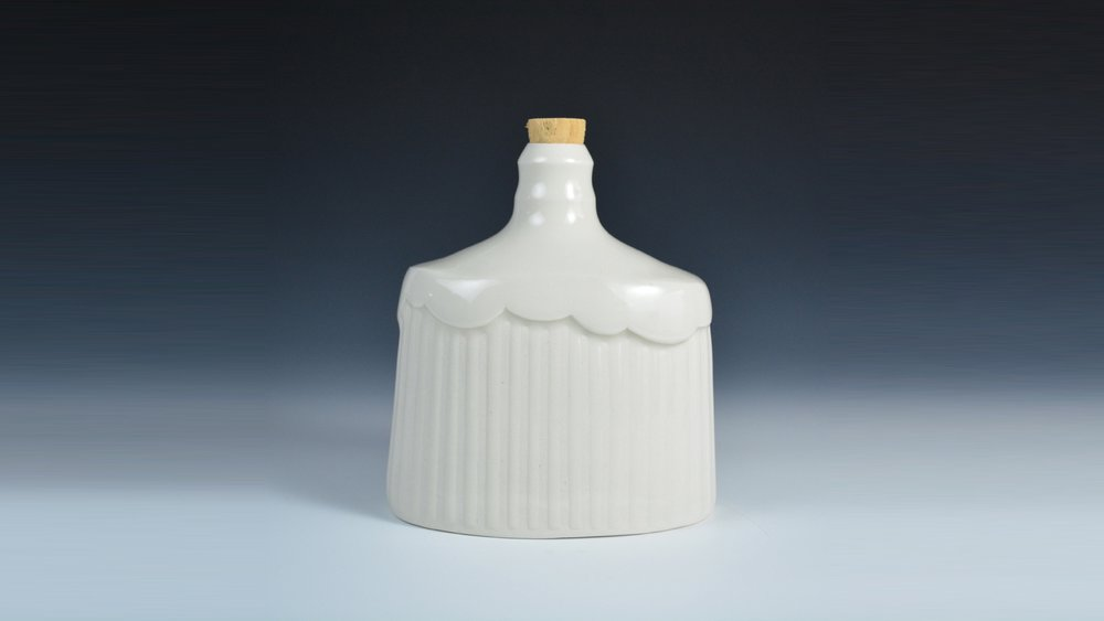 Mynthia McDaniel - Cloud Flask with cork BANNER.jpg